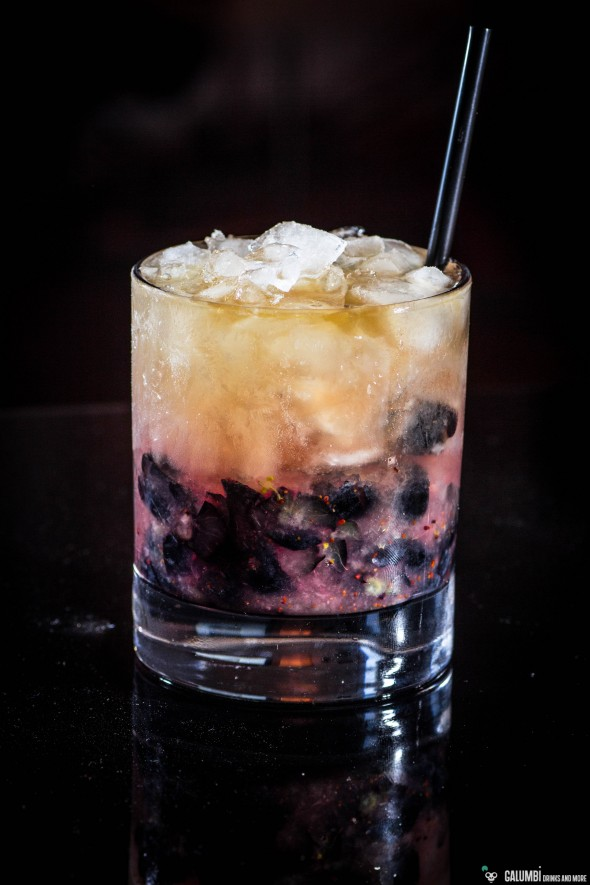 Blueberry Rum Smash