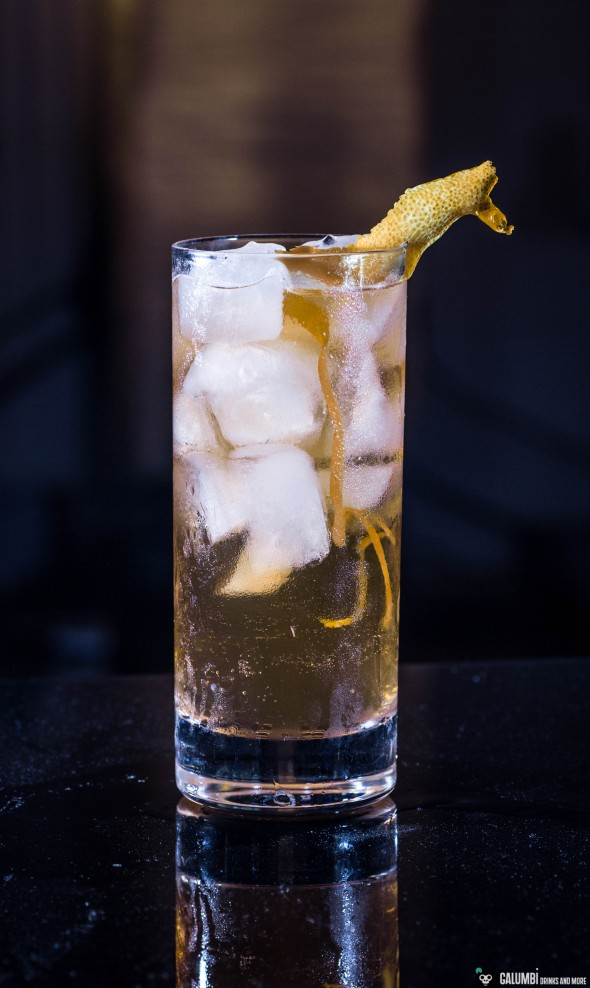 A Horse's Neck with gin as the base spirit