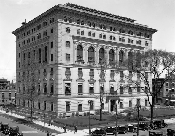 The Detroit Athletic Club, 1915